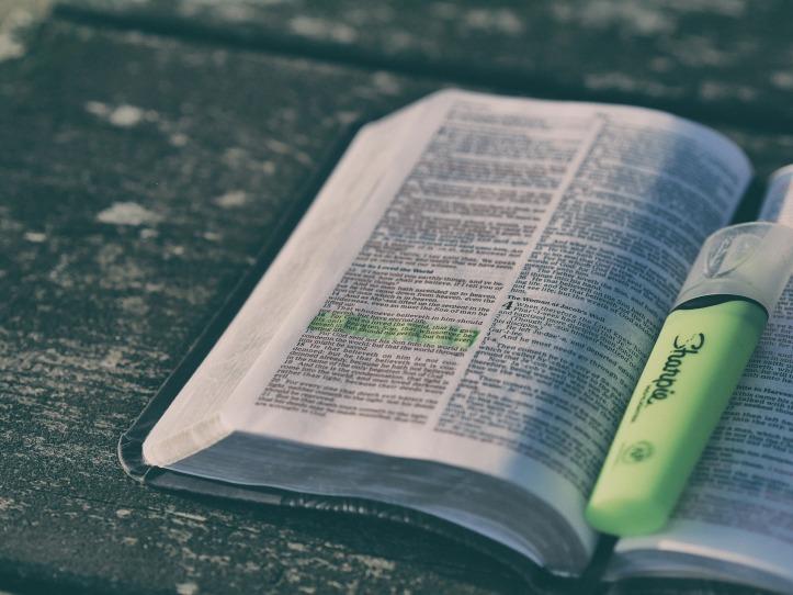 bible-1867195_1920.jpg